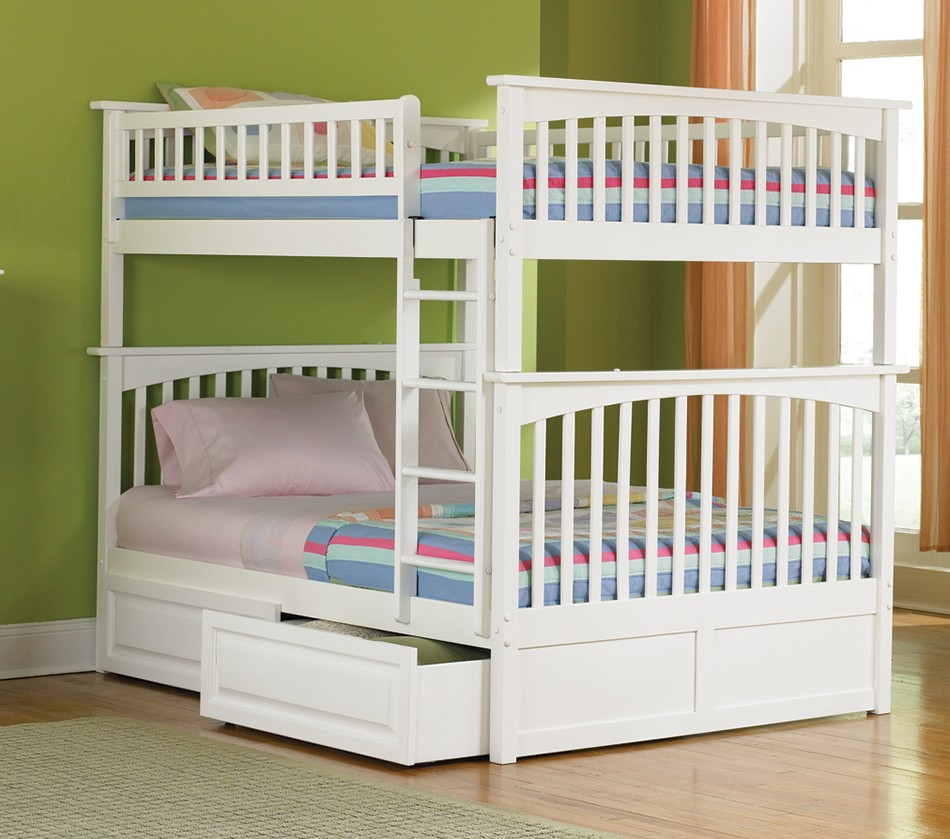 DreamFurniture Columbia Bunk Bed Full Over Full in
