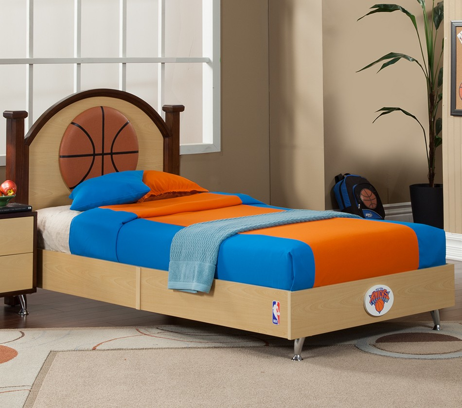 NBA Basketball New York Knicks Twin Bed. DreamFurniture com   NBA Basketball New York Knicks Twin Bed