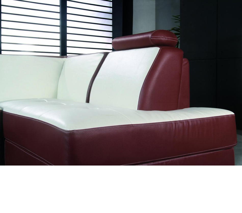 DreamFurniture 2234 Modern Bonded Leather