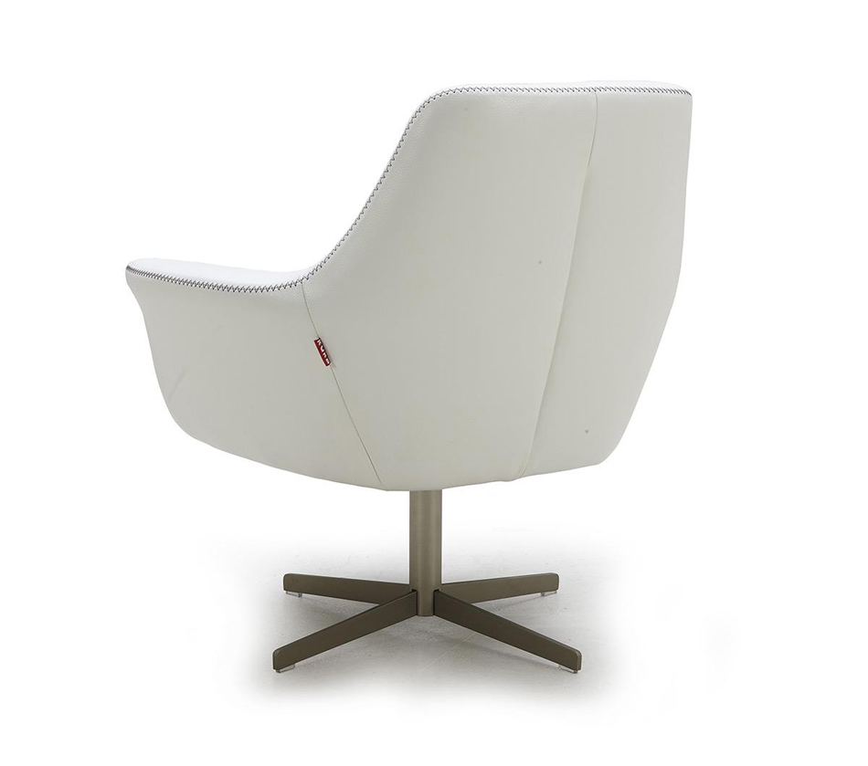 Divani casa a 832 modern leather for Contemporary leather lounge chairs