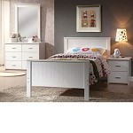 Bungalow White Finish Bedroom Set