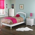 Windsor Platform Bedroom Set Antique Walnut