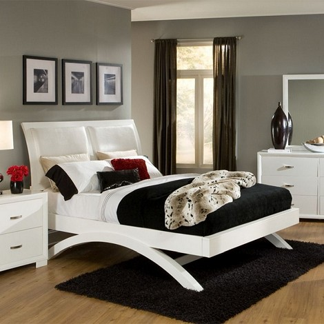 1313 Astrid Bed
