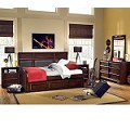 Benchmark Upholstered Panel Daybed Bedroom Set