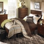 Albany Bed in Antique Walnut