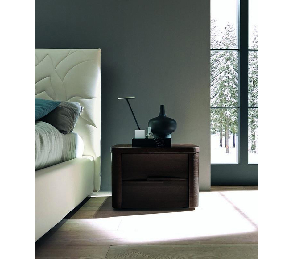 how to furnish a small bedroom dreamfurniture abbraccio modern wenge nightstand 20581